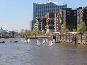 Segeln im Hafen